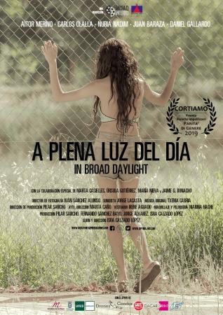 'A Plena Luz Del Día' (DC) Isra Calzado López / Mitad & Mitad Producciones